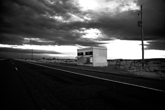 prada-marfa-bw-sunset